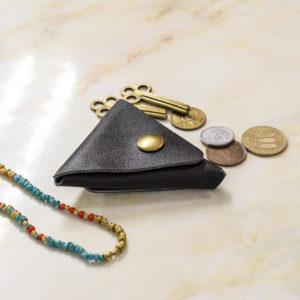 【第3弾プレゼント企画】対象者全員に3,333円相当の本革三角ケースをプレゼント!