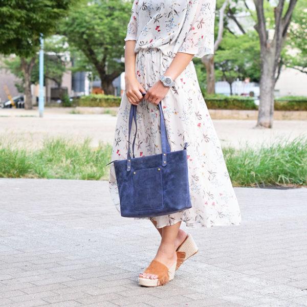 【商品紹介】通勤・通学バッグにおすすめしたい、牛革トートバッグ。